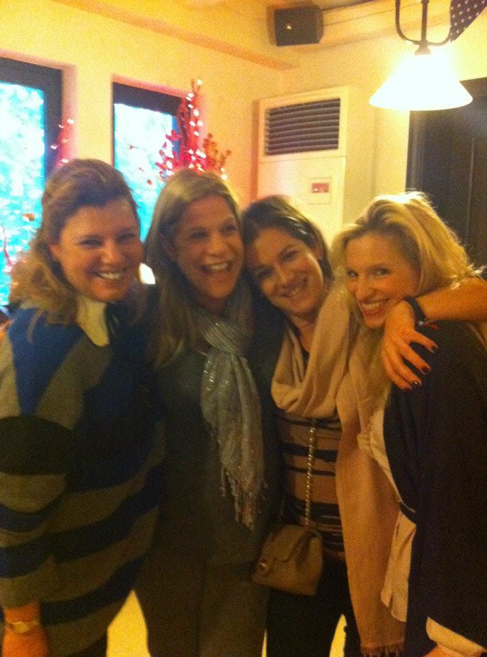 Ο κύκλος της ζωής. Όλες γνωριζόμασταν ή ήμασταν φίλες και η ζωή μας έφερε ξανά μαζί: Φαίη, Σάντυ, Σαλώμη, Βανέσσα...
