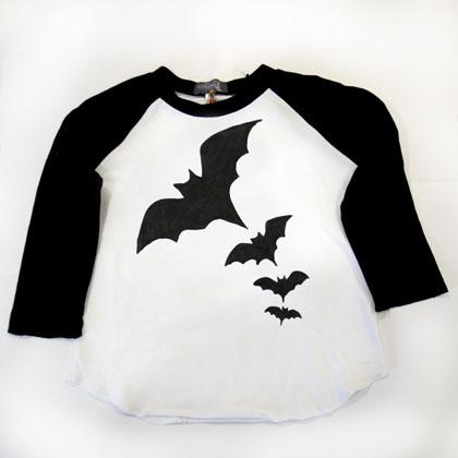 Bat T-shirt, 14.20 ευρώ