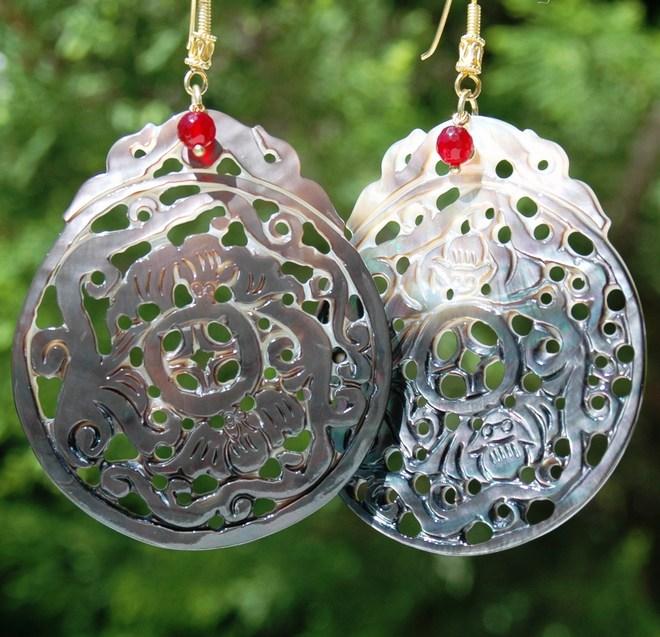 Κρεμαστά σκουλαρίκια mother of pearl & ruby jade