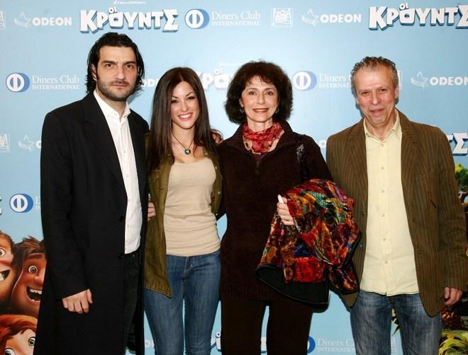 """Οι """"πρωταγωνιστές"""" της ταινίας, Νίκος Κουρής, Εβίτα Βιτσαντωνάκη, Αντέλα Μέρμηγκα και Ηλίας Ζεβός"""