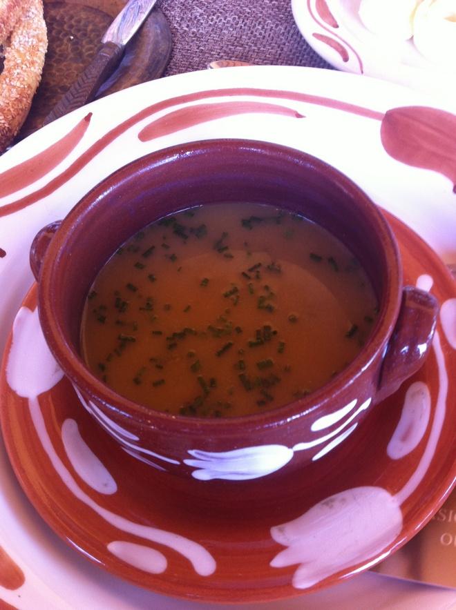 Σούπα από φρέσκια ελιά και όλα τα αγνά προϊόντα που καλλιεργούνται στις εκτάσεις του Μουσείου!