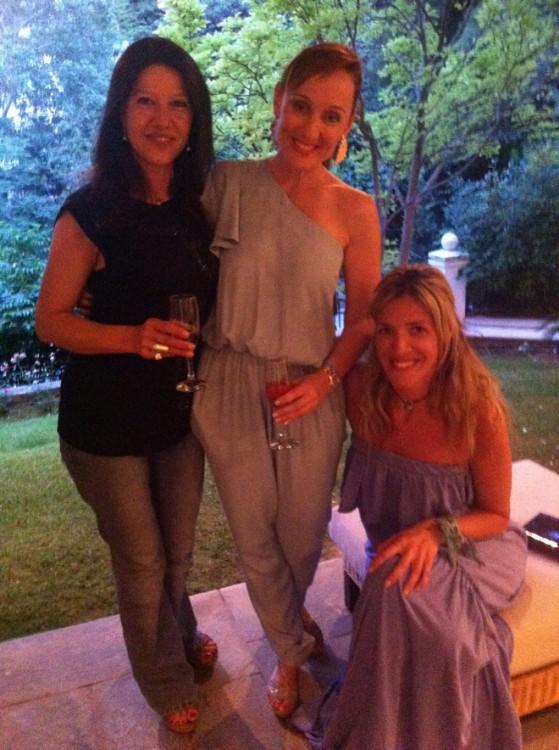To παρεάκι των Σπετσών: Λένα Σιάτη, Μαριάννα Αλεξάκη, Έλενα Κακλαμάνη