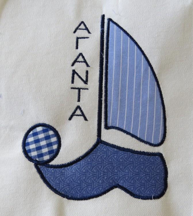 """Οι στολές του πληρώματος του """"ΑΓΑΝΑ"""", του καϊκιού του Στρατή Πορφυράτου, σχεδιασμένες από την flakecreations.com και την Όλγα Παπαδοπούλου. Διεκδικούν το Best Dressed Award..."""