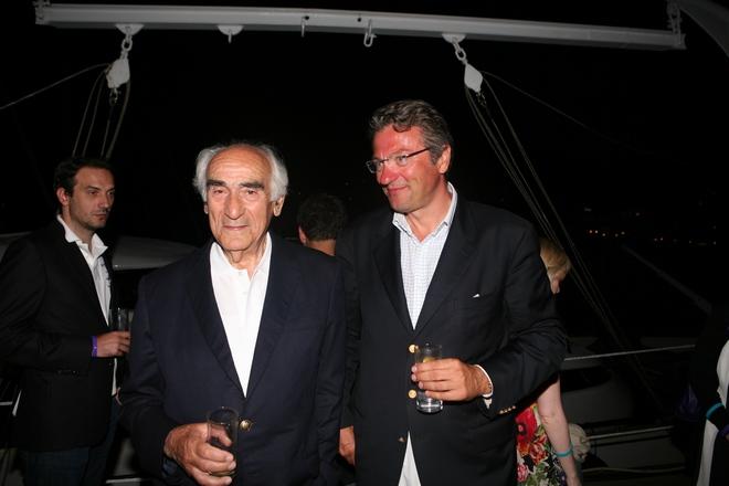 Ο Dan Stratan υποδέχεται τον Πρόεδρο του Ναυτικού Ομίλου Ελλάδος, Αλέξανδρο Παπαδόγγονα
