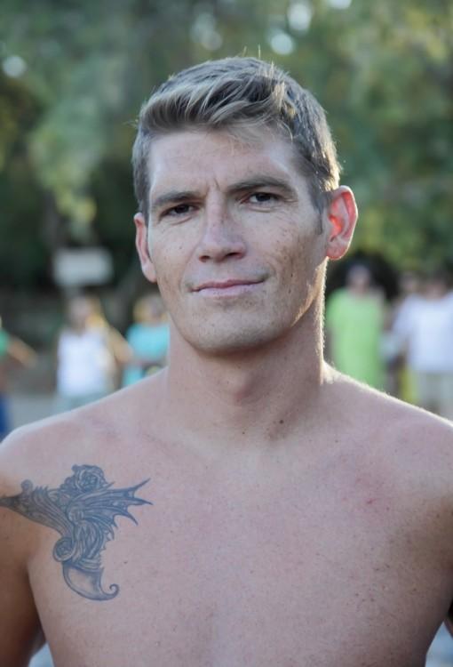 O παγκόσμιος πρωταθλητής κολύμβησης Ανοιχτής Θαλάσσης στα 10.000μ. Σπύρος Γιαννιώτης κολύμπησε εκτός συναγωνισμού, για να εμψυχώσει τους συμμετέχοντες