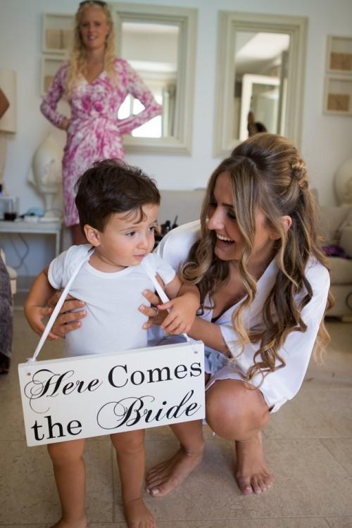 H ετοιμασία της νύφης την μέρα του γάμου...