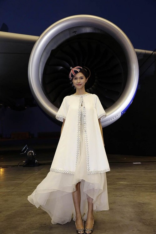 3 - British Airways celebrates A380 launch to Hong Kong with a specially created runway for Alice Temperley collection ok