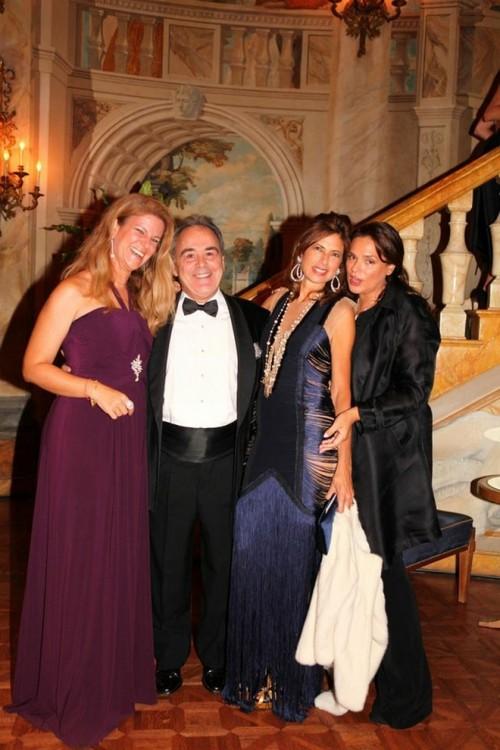 Sophia & Giulliano Zavos, Καλλιόπη Καρέλλα, Σίλια Κριθαριώτη