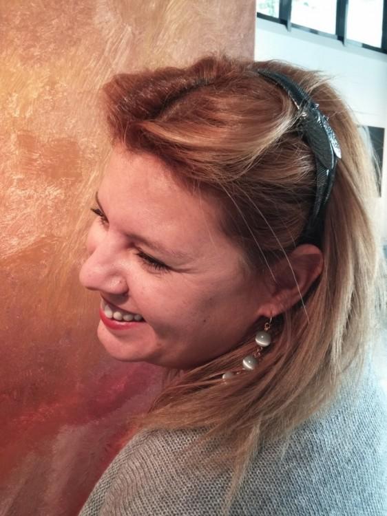 Ένα Τζιτζίκι στα μαλλιά μου...