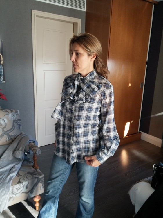 Η Μελίτα Κούρκουλου το δοκιμάζει με το jean της