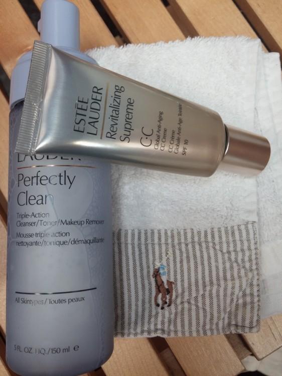 Απαλό Mousse καθαρισμού προσώπου Perfectly Clean, της Estee Lauder και η Revitalizing Supreme CC! The best...