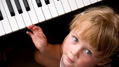 piano_kid_iStock_0000039542_620x350.112102609_std