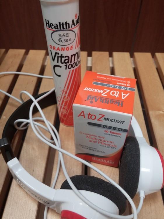 Καταρχήν τις βιταμίνες μου! Το πρωί πίνω μαγνήσιο, οπότε πριν την γυμναστική πίνω μία βιταμίνη C 1000 mg, καθώς και την πολυβιταμίνη A to Z, με μέταλλα και λουτεϊνη! Μου προσφέρουν δύναμη και ευεξία!