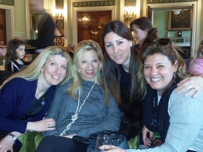 Με τις φίλες μου Κατερίνα Μήτσου, Βανέσσα Γερουλάνου και Μελίνα Μουνδρέα-Χορν