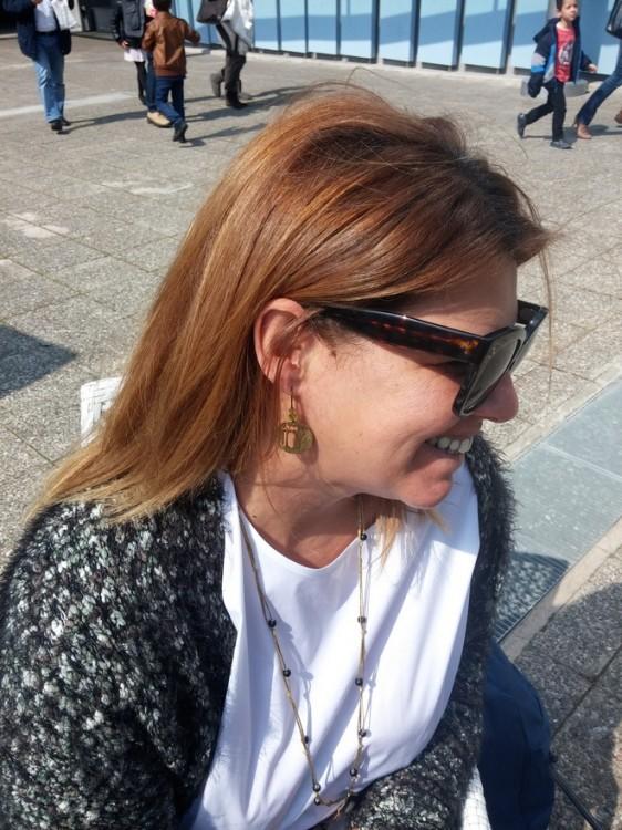 """Με τα επίσης ολοκαίνουρια """"Joy"""" σκουλαρίκια μου, που βρήκα στο Shop του Ιδρύματος Θεοχαράκη..."""