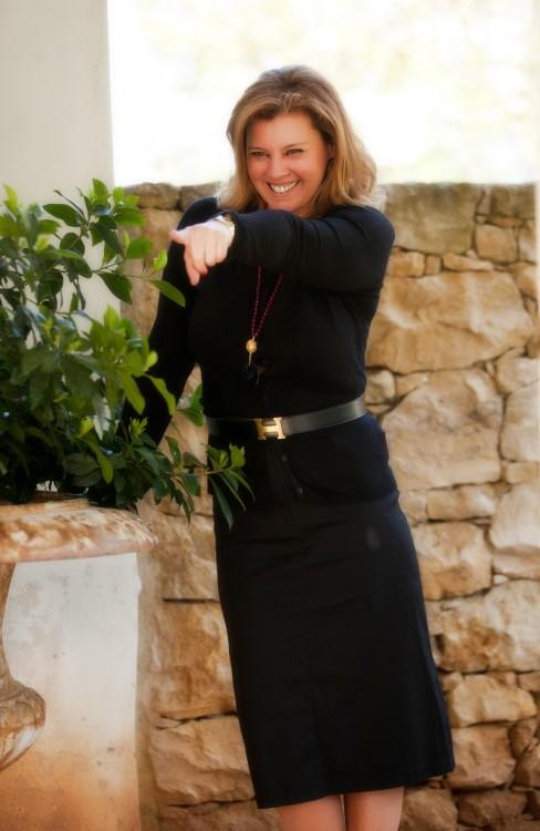 Με μία απλή μαύρη φούστα από το Vertice, που την φοράω από το πρωί μέχρι το βράδυ...