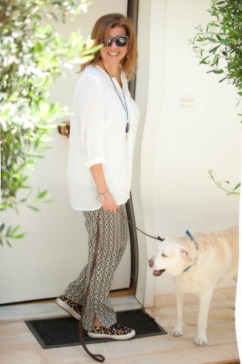 Την συγκεκριμένη πουκαμίσα και το συγκεκριμένο παντελόνι τα έχω φορέσει με χίλιους+2 τρόπους από το πρωί έως το βράδυ!