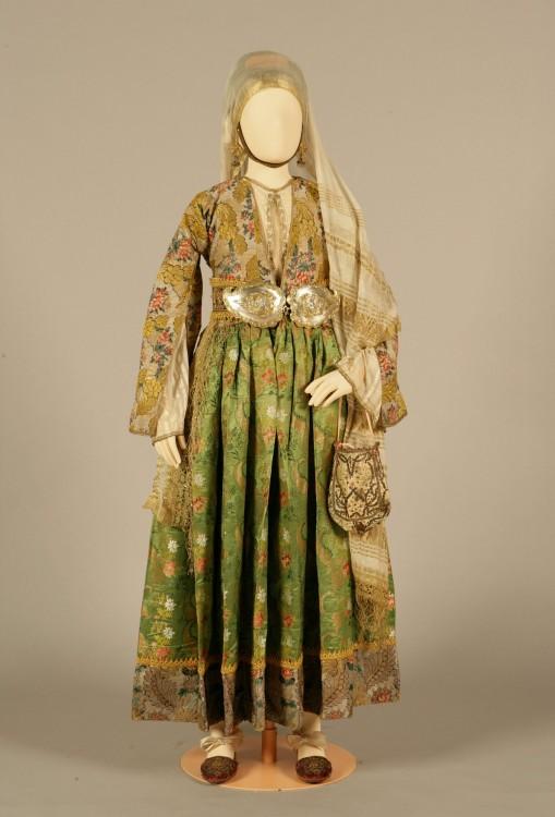 Nυφική φορεσιά Κύμη, Εύβοια. 18ος αιώνας...