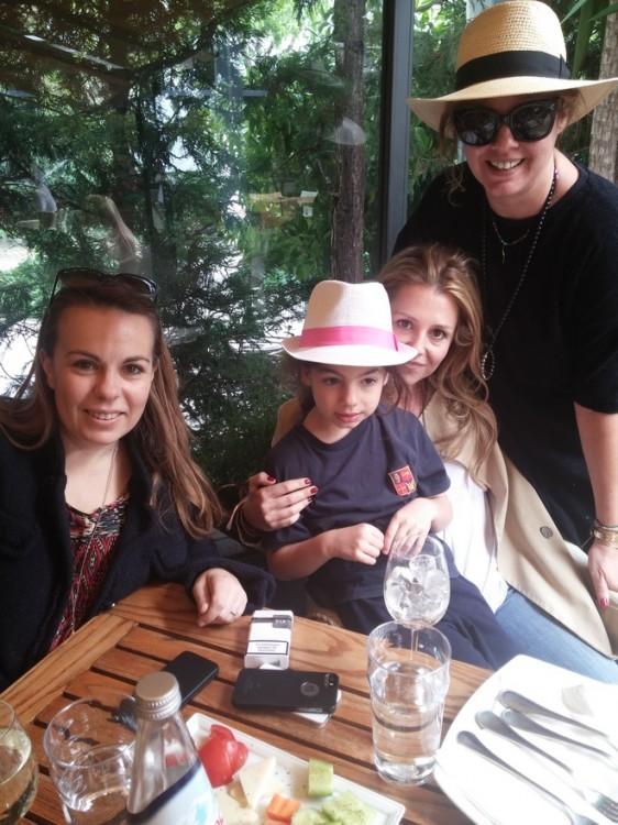 Με την Νάνα, την Ελμίνα και την Ιωάννα, και τα...Panama του καλοκαιριού!