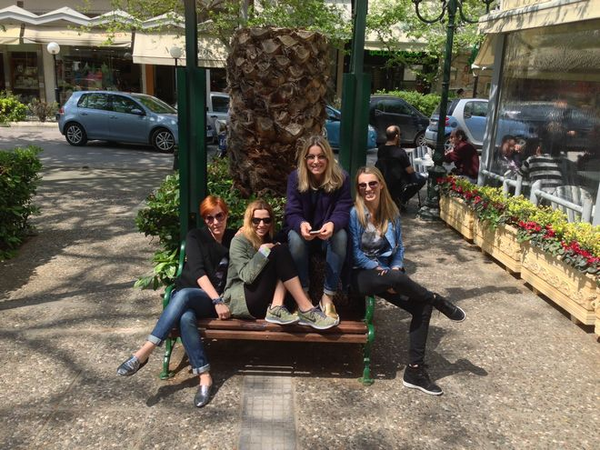 Oι τέσσερις μαμάδες που αγαπάμε να διαβάζουμε καθημερινά, Αμαλία Κυπαρίσση, Βιβή Μπασινά, Βάω Νικοπολίδη και Λίτσα Κορωνιού