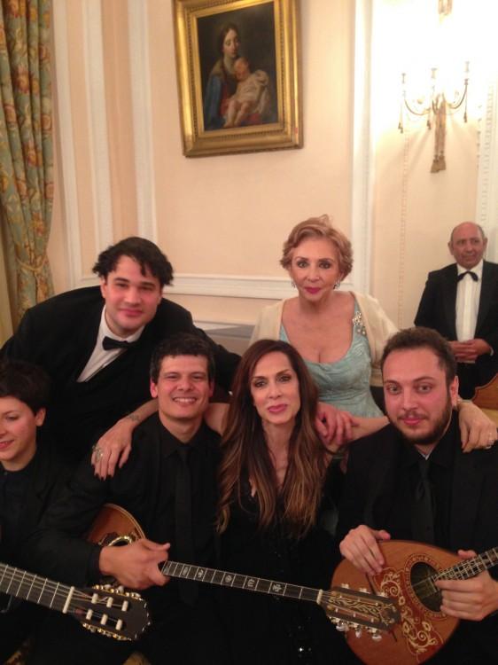 Η Χρυσάνθη Λαιμού και η Άννα Βίσση, με τους Yuri Rozum, Αναστάσιο Μιχάλη και Παύλο Carvahlo