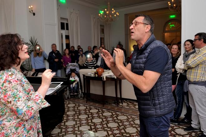 Η Έλενα Κελεσίδη ερμηνεύει άριες από γνωστές όπερες και τη συνοδεύει ο Γιώργος Ντάβλας