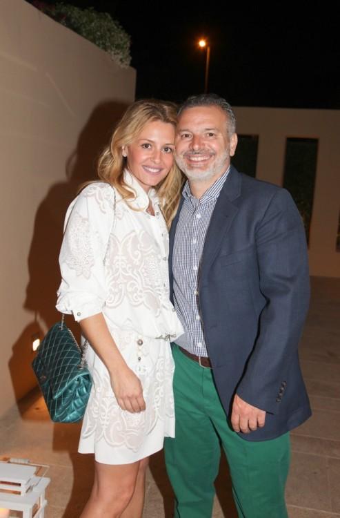 Ιωάννα Σακελλαρίου Μουτσίδη, Νίκος Μουτσίδης, σε υπέροχη χρωματική συμφωνία!