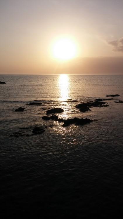 Το Μυστήριο τελειώνει την ώρα που δύει ο ήλιος...