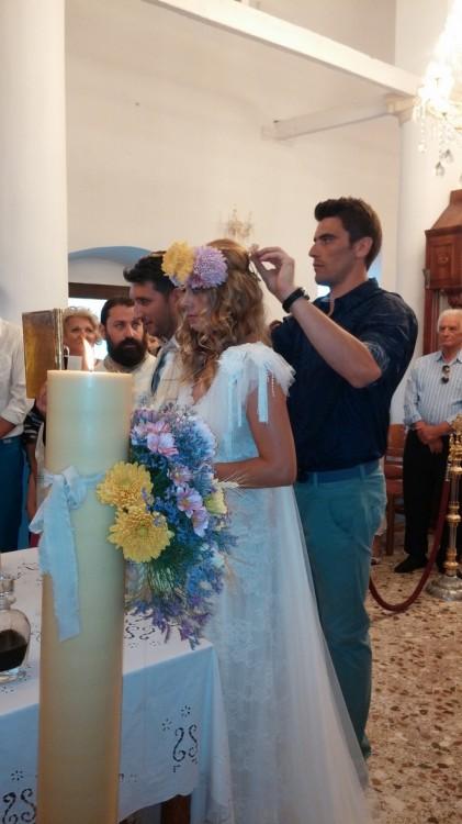 Κουμπάροι του ζευγαριού είναι η Αριάννα Βελάση και ο γνωστός μπασκετμπολίστας του ΠΑΟΚ, Βαγγέλης Μαργαρίτης...