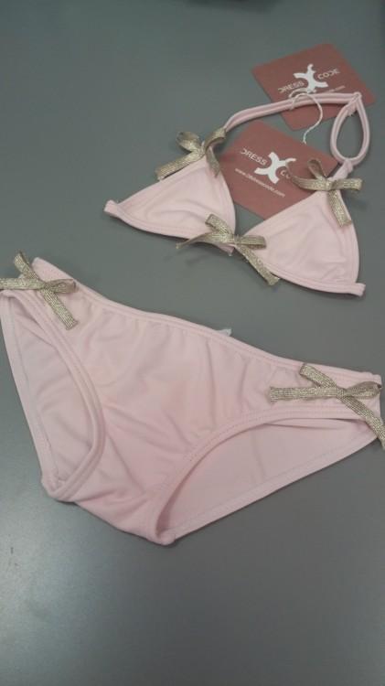 Επειδή όμως ξέρω το παιδί μου, θα ξετρελαθεί με αυτό...Pink Golden Bows Bikini!
