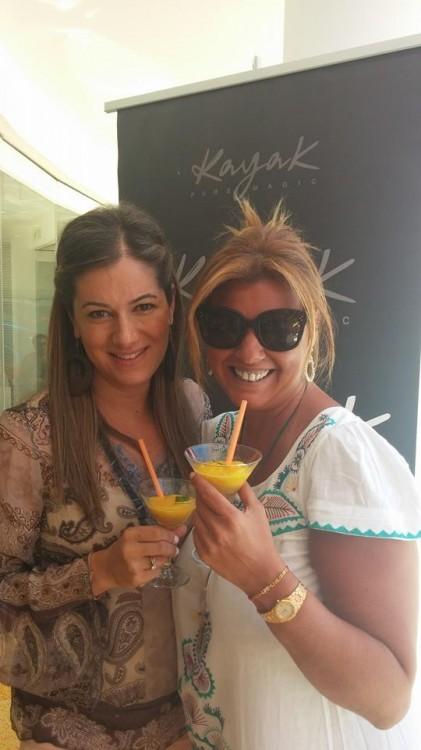 Mε την Σαλώμη Σταυρίδου, η οποία με υποδέχεται με Passion Fruit-Mango & Jasmin!