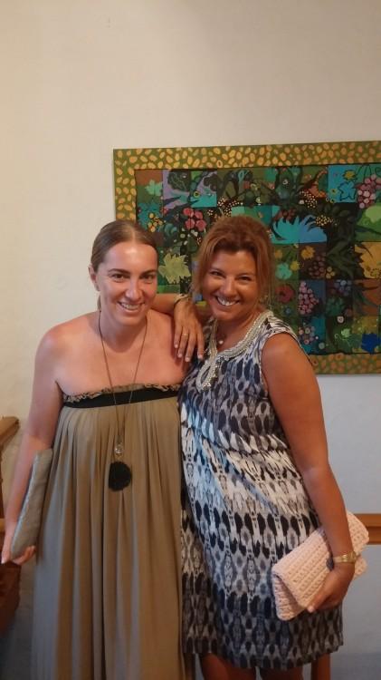 Με την αγαπημένη μου κουμπαρούλα, Μάνια Λούβαρη
