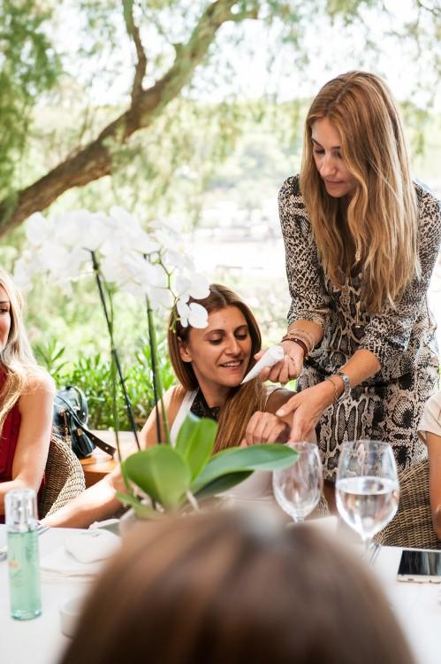 """Οι καλύτερες beauty editors & bloggers δοκιμάζουν το """"θαύμα"""" της La Mer..."""