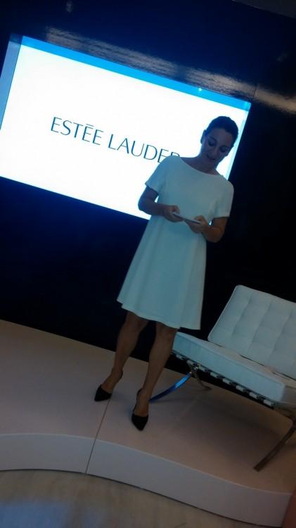 Η Μάρσια Χατζηγεωργίου, υπεύθυνη Δημοσίων Σχέσεων του Οίκου και συνοδηγός στην υπέροχη παρουσίαση της Karyn Khoury