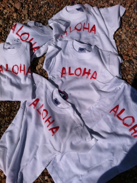 Aloha T-Shirts από το Magic Wrap για τους καλεσμένους μας...