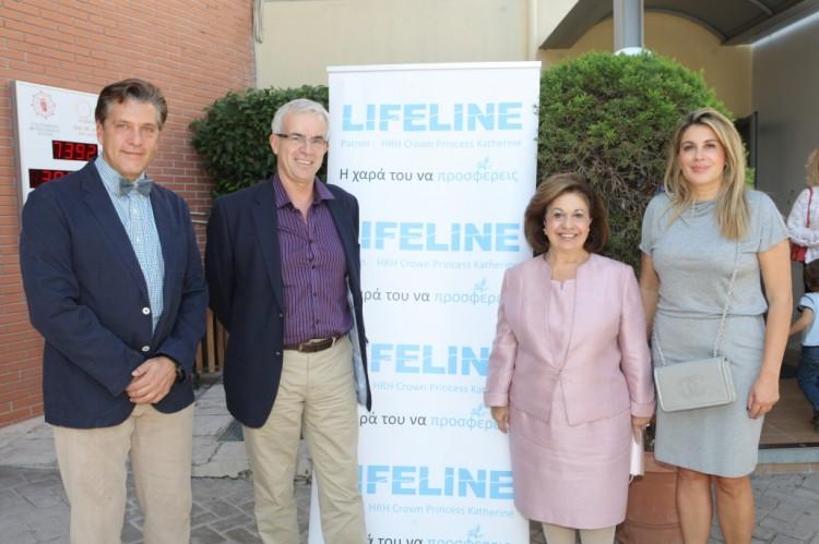 Ο Πρόεδρος Δρ. Ζήσης Μπουκουβάλας με τον διευθυντή του St. Catherine's British School Dr. Stuart Smith, την ΑΒΥ Πριγκίπισσα Αικατερίνη της Σερβίας και την Δρ. Άλκηστις Πρίνου Μπουκουβάλα