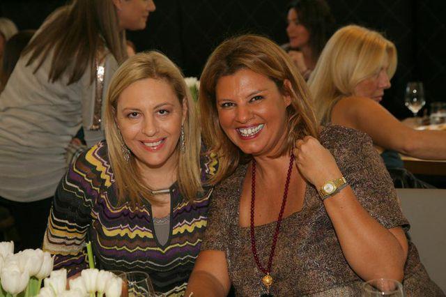 Με την Ντόρα Πάλλη. Φίλες από τα γυμνασιακά μας χρόνια και συμπέκτριες στην ίδια Ομάδα Πόλο στην Βουλιαγμένη...