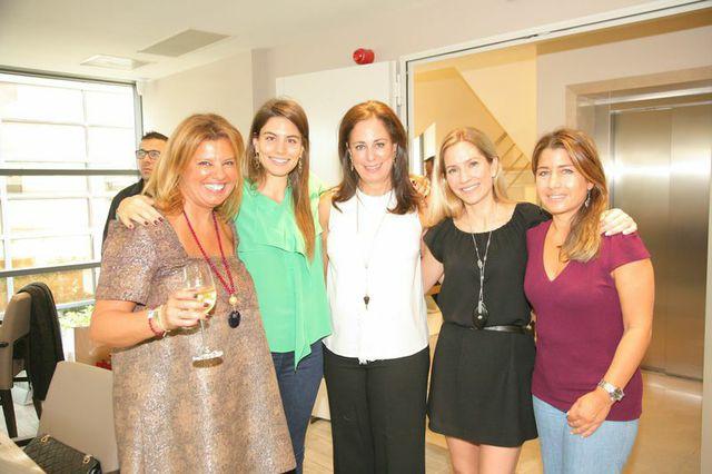 Με τη Λάουρα Λαλαούνη-Δράγνη, την Κατερίνη Λαλαούνη, την Έλλη Μάντις και την Γιασμίν Οικονομοπούλου