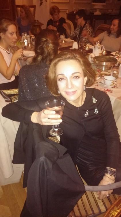 Η Άντρια Παπαδοπούλου με τις υπέροχες καρφίτσες της στο στήθος...Στο στοιχείο της...