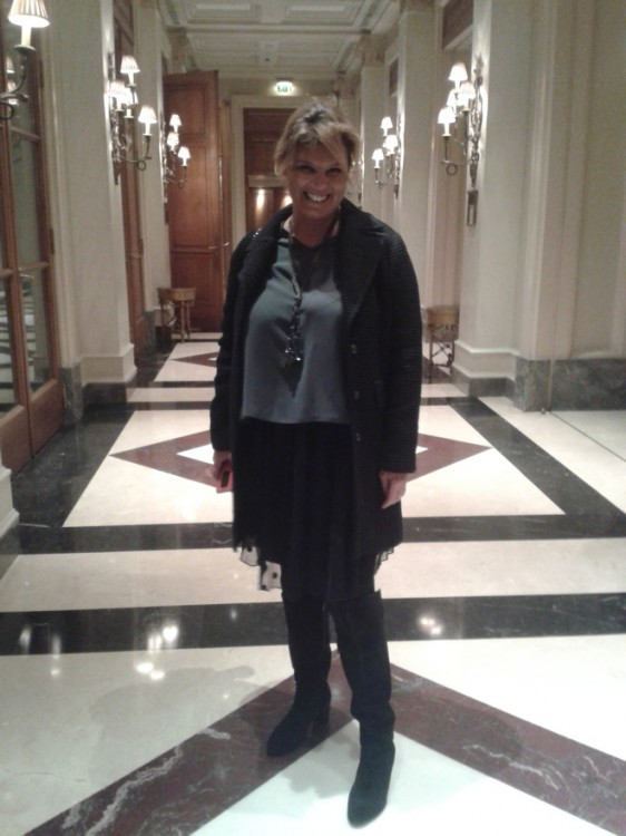 Για το πρώτο και καλύτερο afternoon tea στην Αθήνα επιλέγω μία polka dot tulle skirt από το Greek4Chic...