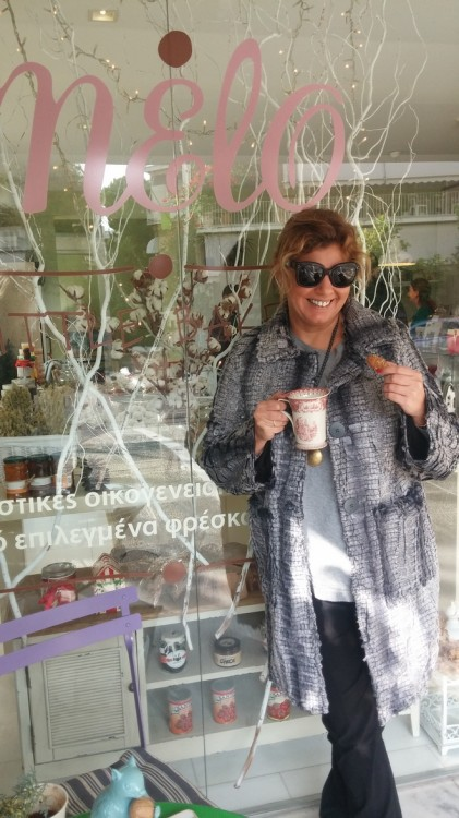 Αρωματικός καφές με μελομακάρονα από φυσικό χυμό πορτοκαλιού...