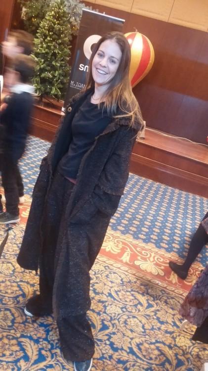 Η Σταματία Δημητριάδη με το τουίντ μαντό και παντελόνι της Fay Bei for See You Klio-The Velvet Collection!