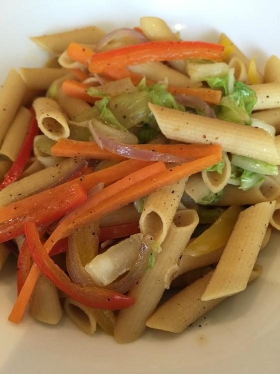 ...και Πένες ολικής άλεσης με λαχανικά! Πολύ πιο ενδιαφέρον από ότι φανταζόμουν και οπωσδήποτε πεντανόστιμο!