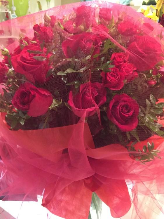 """""""Κόκκινα Τριαντάφυλλα για τον μπαμπά μου!"""""""