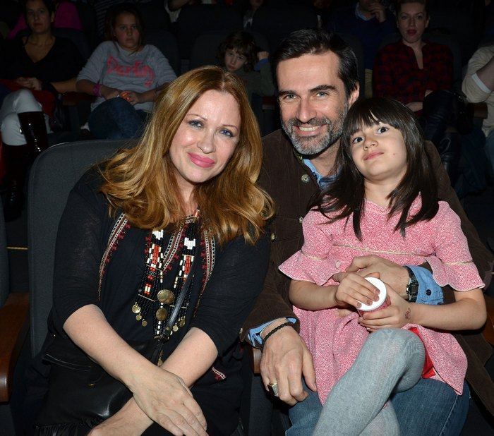 Calliope και Χρήστος Καρβούνης με την κορή τους