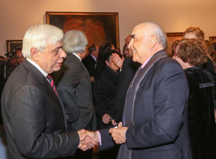 Ο Πρόεδρος της Δημοκρατίας Προκόπης Παυλόπουλος με τον Θόδωρο Βασιλάκη