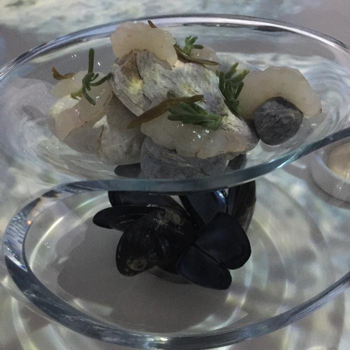 Αλατισμένες γαρίδες με μαγιονέζα και αποξηραμένο τυρί...