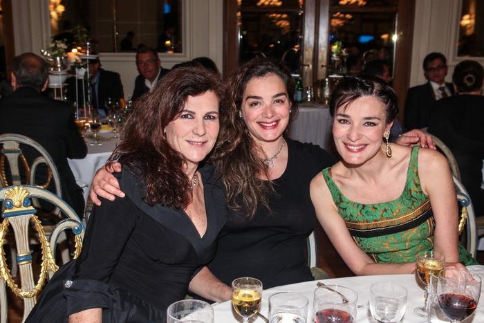 Η Μπίλιω Τσουκαλά, η Γωγώ Μπρέμπου και η Μαρία Ναυπλιώτου