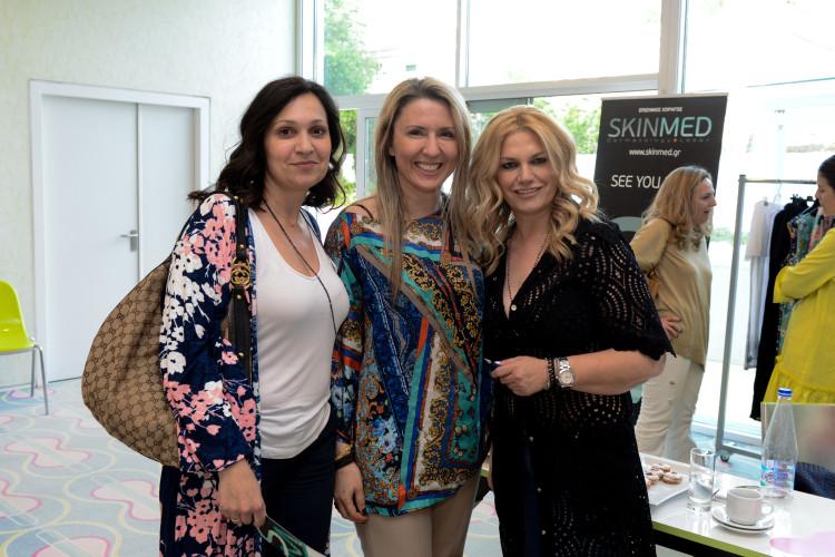 Η Γιώτα Μπουρνιώτη με το αγαπημένο μου φόρεμα-μαντό από την φετινή Συλλογή, με την Μαίρη Ταβουλα και την Βάσω Μακρυγιάννη με See You Klio  δημιουργίες