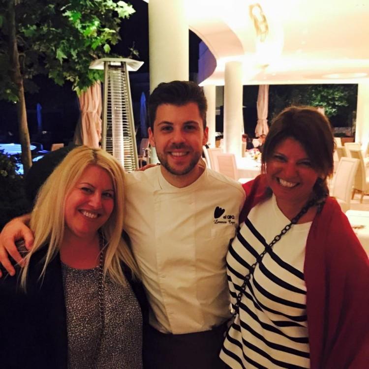 Παίρνουμε τον chef αγκαλιά, υποκλινόμαστε στην Τέχνη του, σχεδόν τον αγαπάμε!!!!